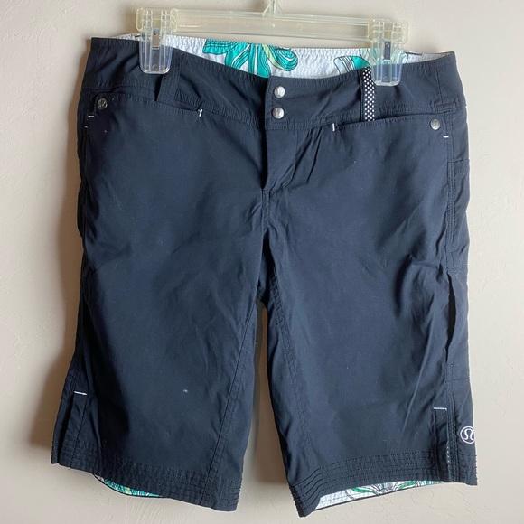 lululemon athletica Pants - Lululemon women's shorts size 8 black Bermuda